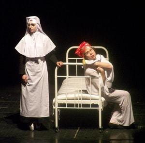 Медсестра (Ирина Осинцова) и Вацлав Нижинский (Андрей Денников).