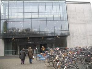 Велосипедная стоянка у Южно-Датского университета