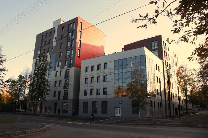 Жилой дом на Первомайском пр., 2009 год, арх. Л. Шеламов
