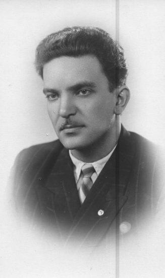 Игорь Григович, врач. 1957 год