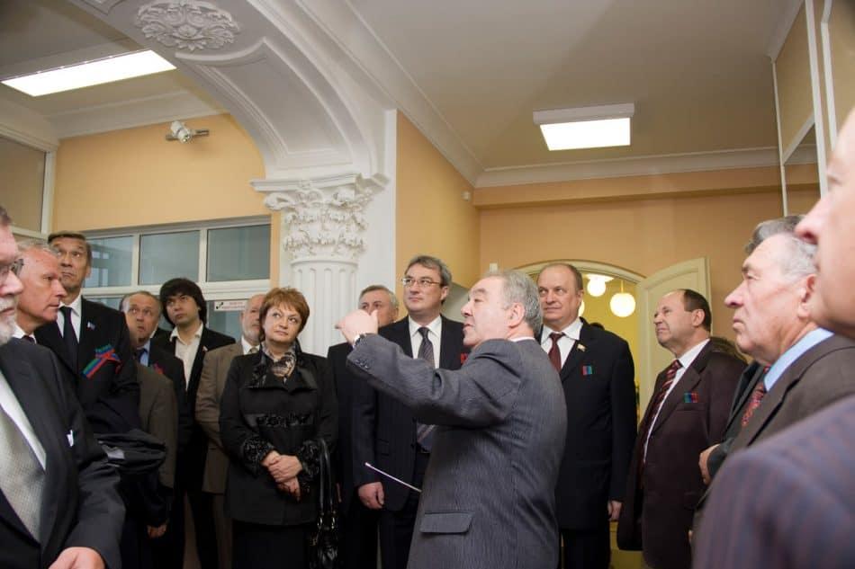 Первая экскурсия для гостей города и республики начинается в вестибюле. Фото КГКМ