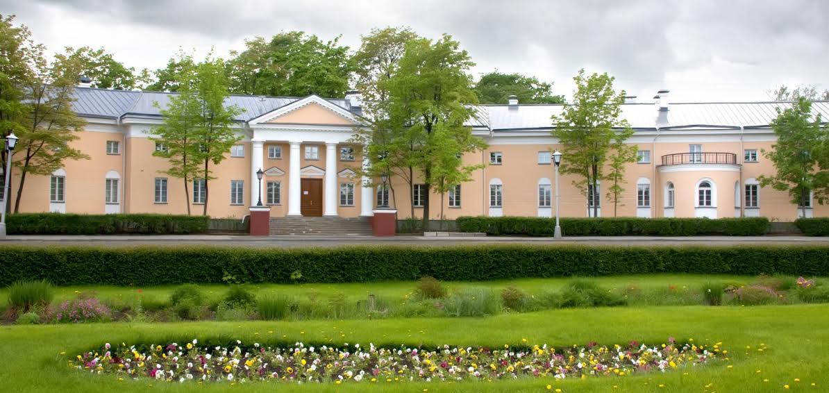 Бывший губернаторский дом в 2010 году