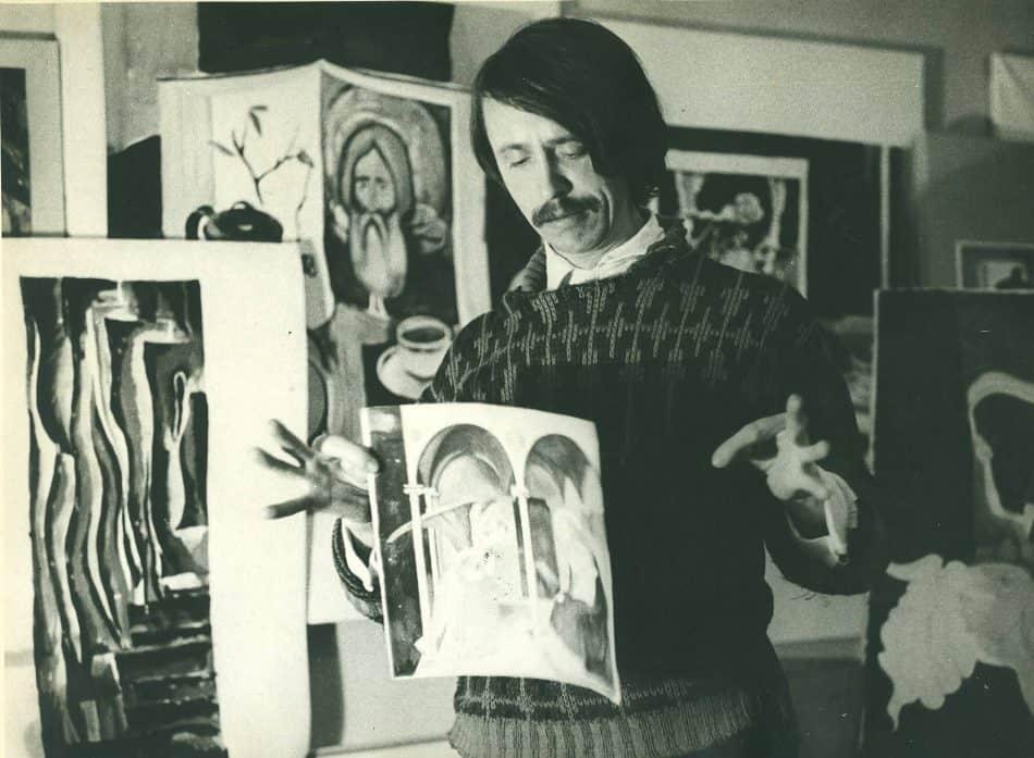 Александр Харитонов в мастерской