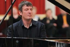 Борис Березовский на сцене Карельской филармонии. Фото:  Владимир Ларионов
