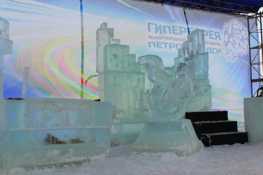 Музыкальный ледяной перформанс