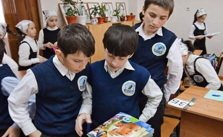 Школьников оденут в форму