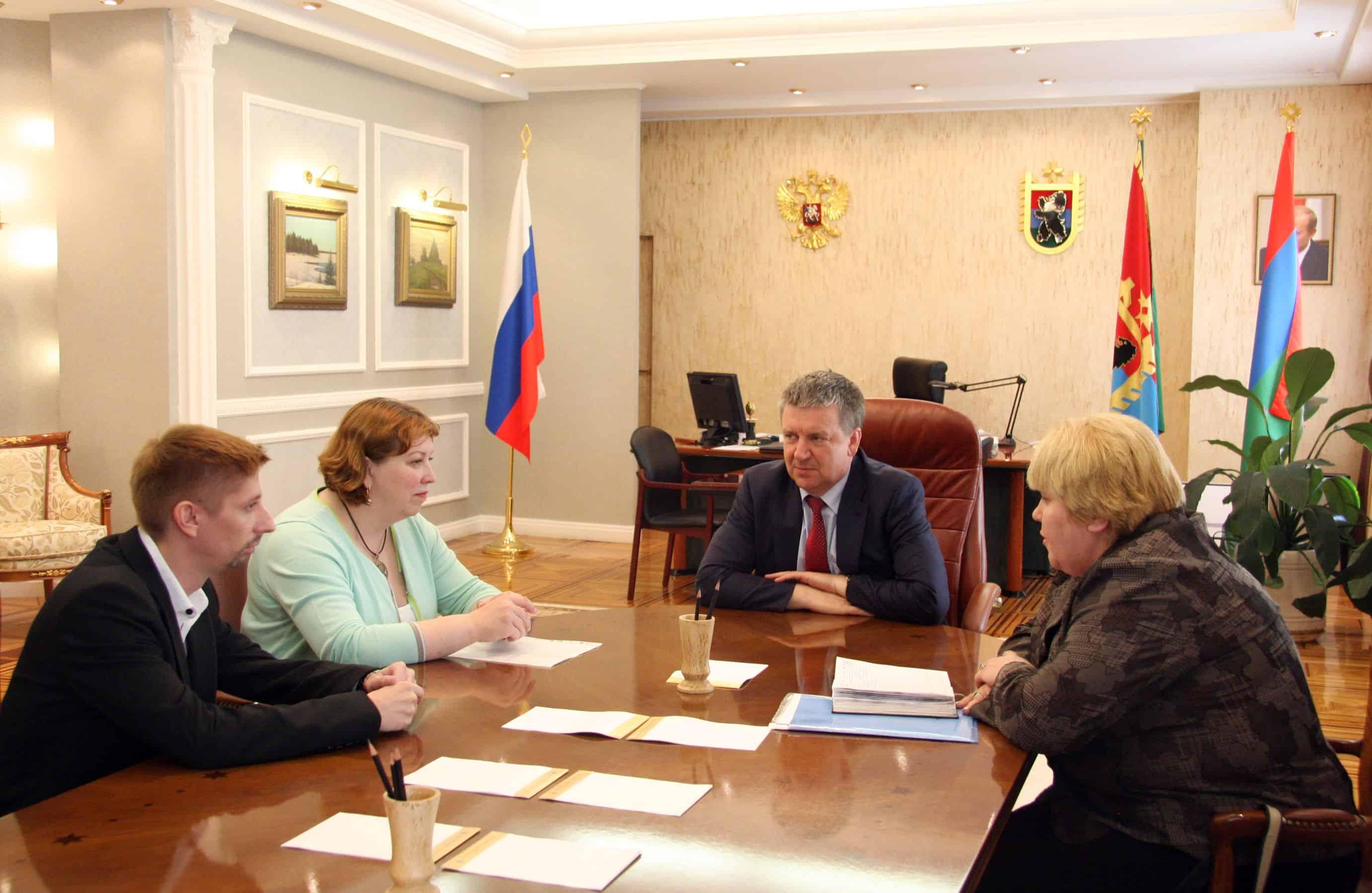 Глава Карелии встретился с Кириллом Симоновым