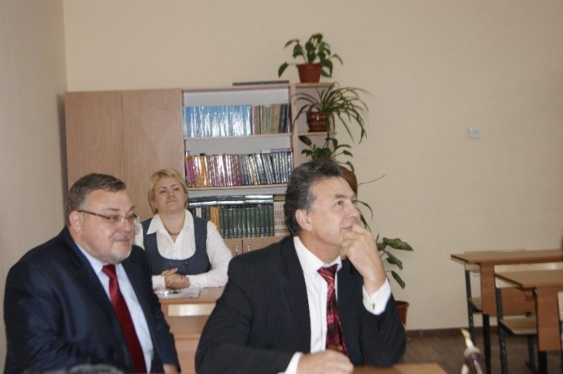Вениамин Каганов побывал в Специализированной школе искусств
