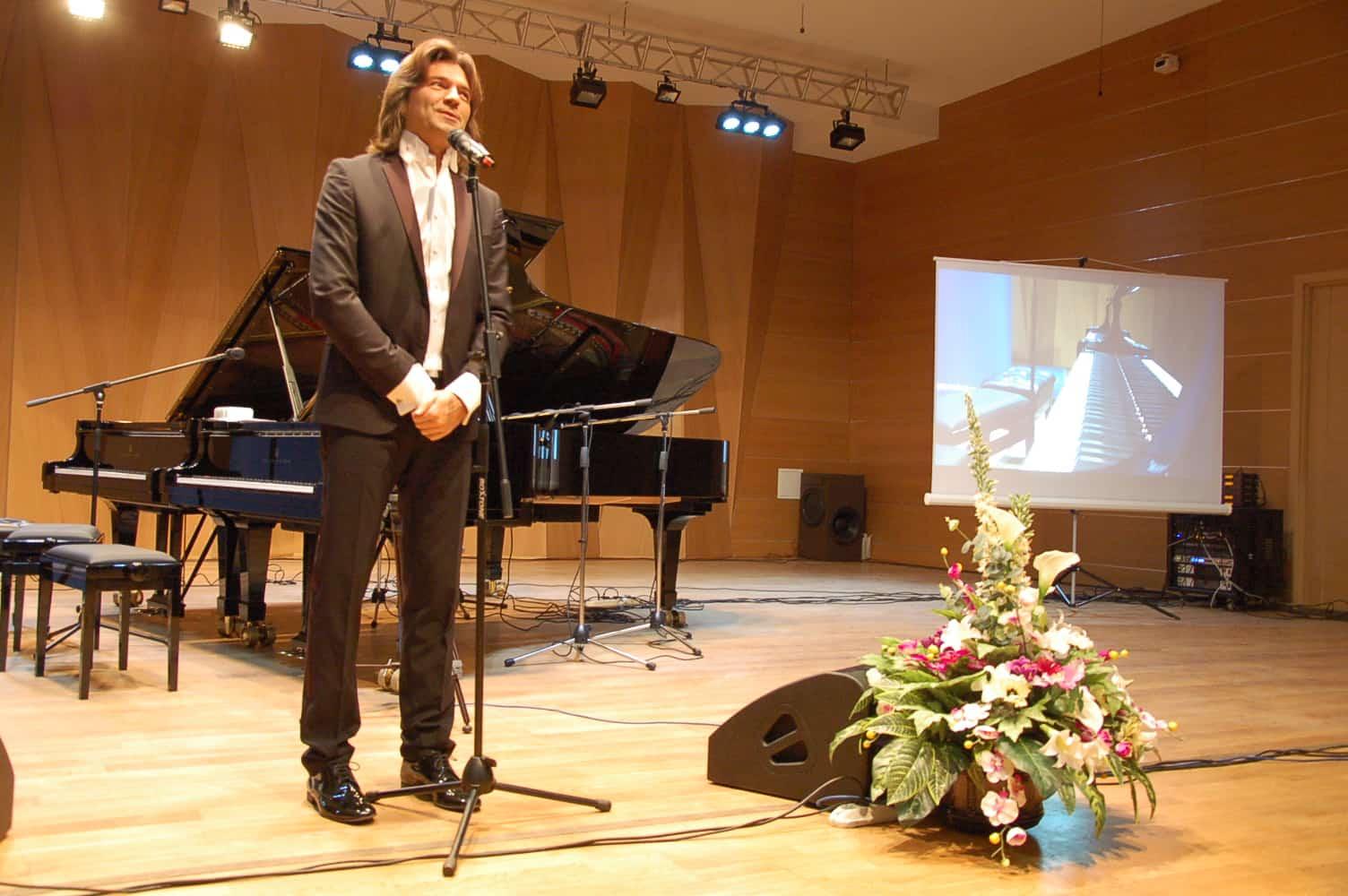 Дмитрий Маликов дал уроки музыки