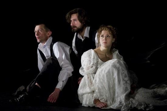 Сцена из спектакля. Фото Юлии Утышевой