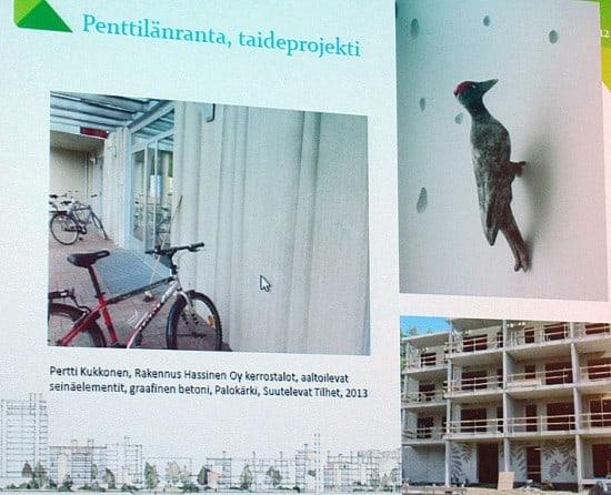 Фигурка дятла на одном из домов в новом квартале Йоэнсуу не только украшает его, но и сообщает: товарищество собственников жилья в этом доме называется «Дятел»