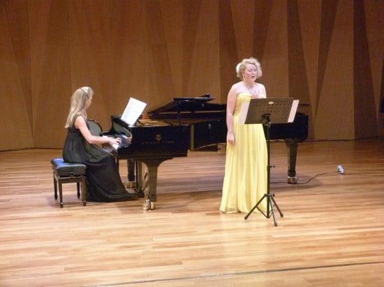 Анастасия Ёлкина (вокал),Евгения Хайбулова (фортепиано)