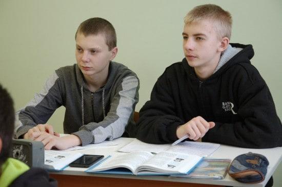 Восьмиклассники Александр Евстафеев и Иван Михеев
