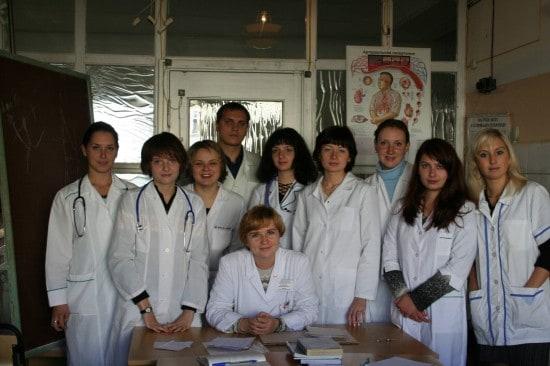 Т.Ю. Кузнецова со студентами