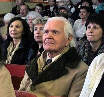 Борис Иванович Ржановский – потомок семьи священников Русановых-Ржановских из Сенной Губы. Один из его предков Василий Ржавноский умер, можно сказать, в долговой яме, но оставил односельчанам уникальную библиотеку, которую собирал всю жизнь