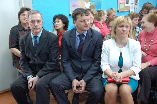 На открытие семинара в выходной день приехали глава района и начальник отдела образования