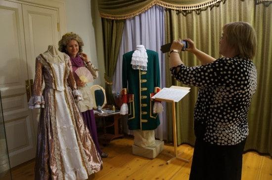 Национальный музей. Примерить старинное платье и ушедшую эпоху - в этом что-то есть!