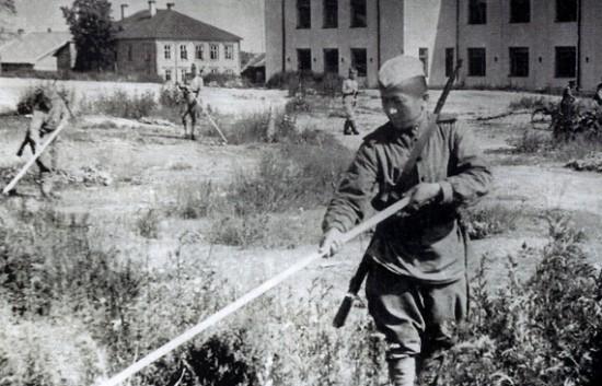 Разминирование Петрозаводска. Лето 1944 года. Фото naonego.ru