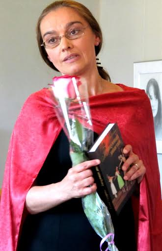 Елена Сидорова на презентации своей книги в Доме актера