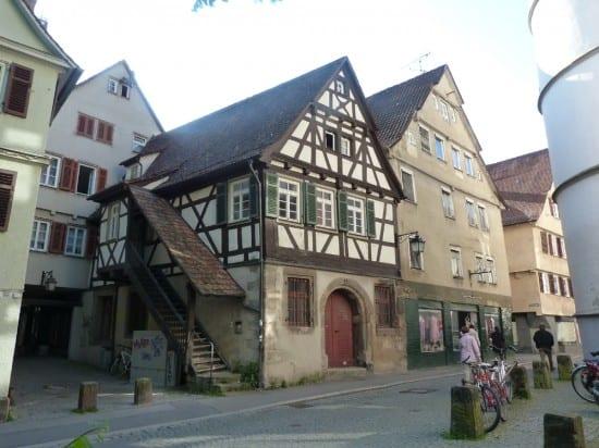 Дом с лесенкой в Тюбингене, где жили ремесленники