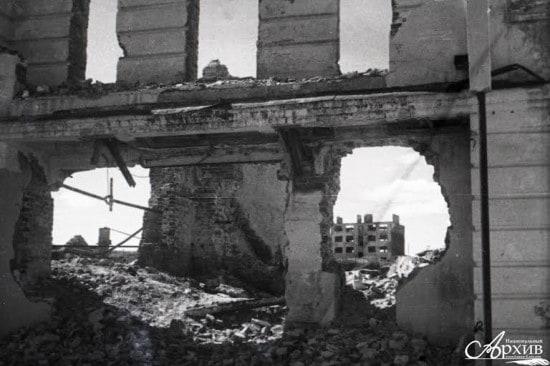 Разрушенные дома в районе набережной. Петрозаводск, 1945 год