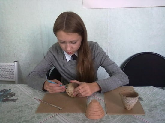 На занятии керамикой