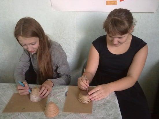 Занятие по реконструкции древнего керамического сосуда