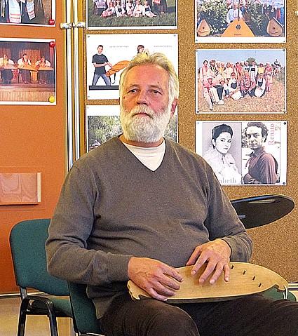 О кантелетерапии рассказал на семинаре карельский музыкант, педагог Сергей Стангрит