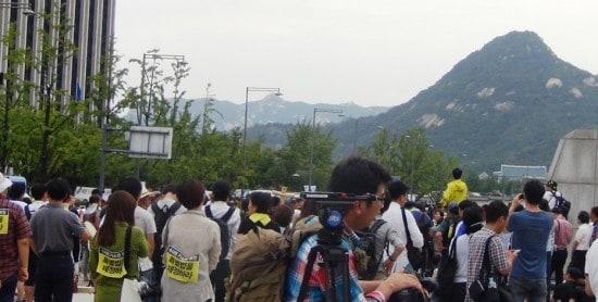 Митинг на площади в Сеуле