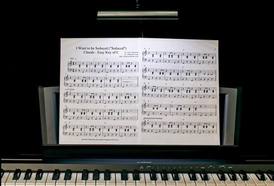 piano-lesson-422832_640