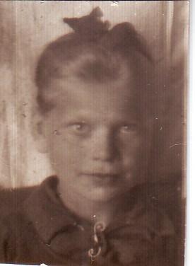 Валентина Толпеева (Каньгина). 1945 год