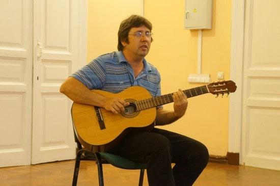 "Андрей Пантелеев  написал песню на свои стихи ""Снегопад, листопад, звездопад"""
