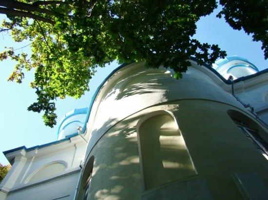 Крестовоздвиженский собор осеняет семейное захоронение Пименовых.