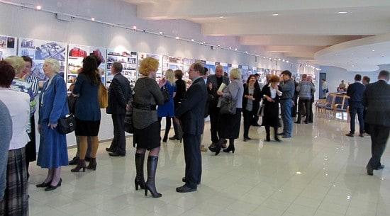 Первые посетители выставки – архитекторы