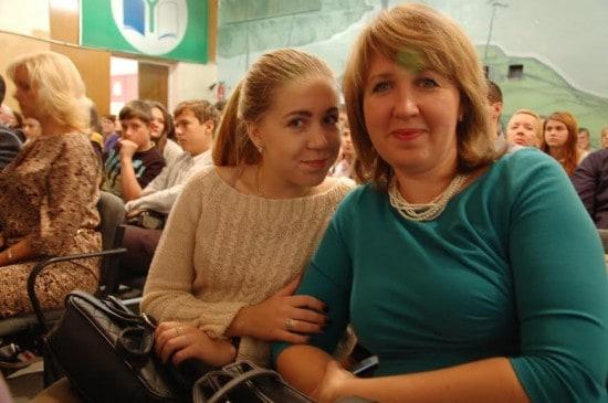 Мама и дочь, участницы клуба разных поколений