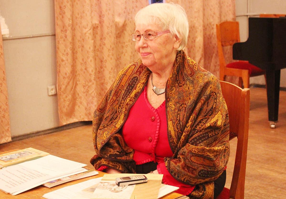 Наталья Ларцева: «Я на стихах воспитана была…» (видео)