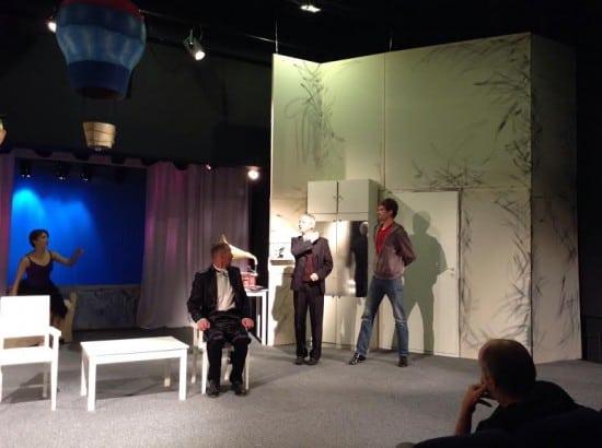Репетиция одной из сцен спектакля «Все не так, как кажется, или После Магритта»