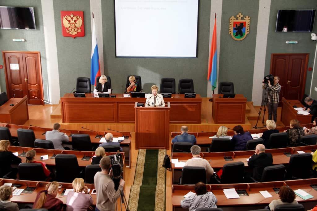 Общественники выдвинули четыре кандидатуры на пост детского омбудсмена Карелии