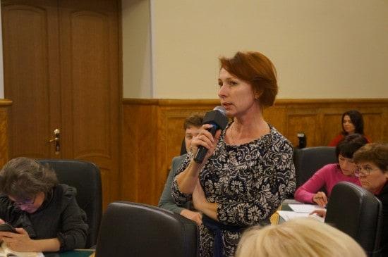 Вопрос о детях-инвалидах задает Татьяна Васильева, руководитель одной из общественных организаций