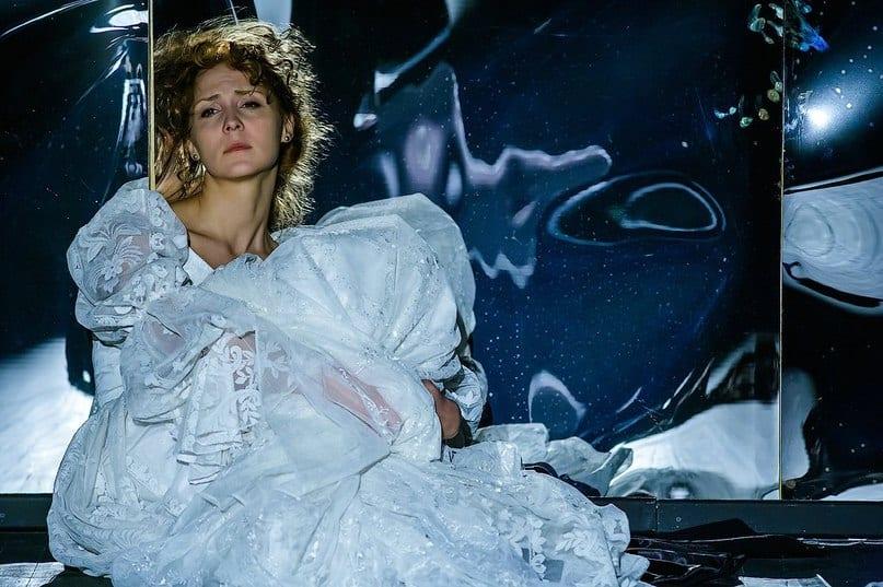 Спектакль «Настасья Филипповна» сегодня увидят в Великом Новгороде (видео)