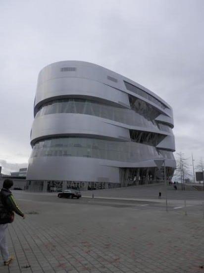 Новый музей автомобилей «Мерседес» в Штуттгарте