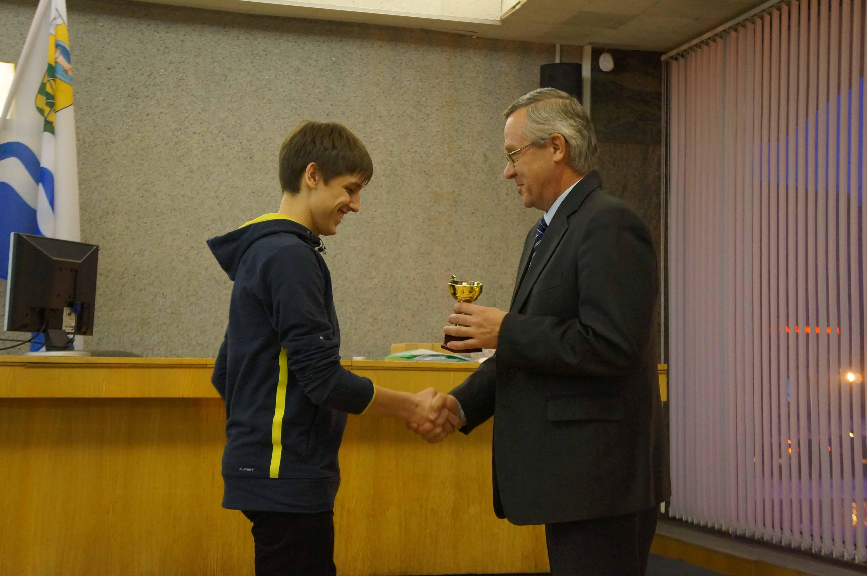 Кубок победителей завоевала команда железнодорожного колледжа