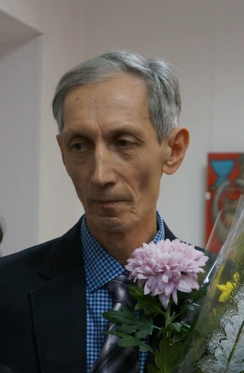 Борис Акбулатов