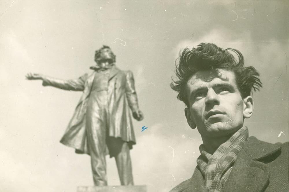 Эрик Тулин. Ленинград, 1958 год. Фото  Иосифа Бродского, с которым  он занимался в одном литобъединении и дружил