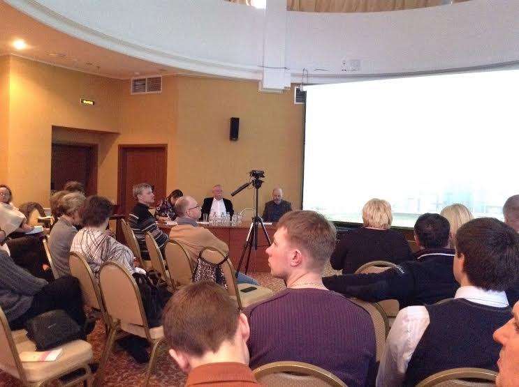 Заседание Общественного совета длилось три часа. К концу зал заметно опустел