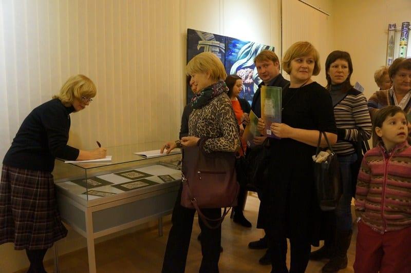 В петрозаводском издательстве «Verso» вышла в свет детская книжка Аниты Дункерс «Приключения маленькой Пылинки»
