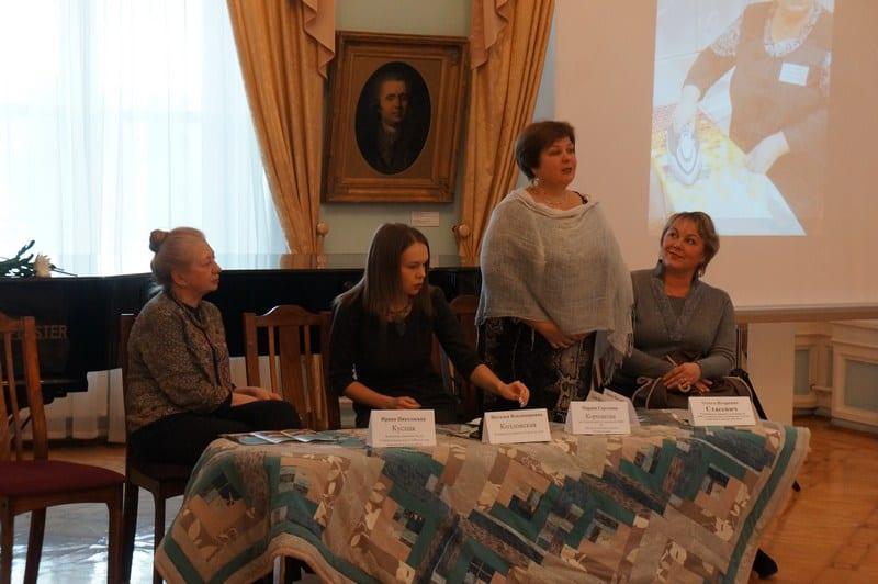 В Музее изобразительных искусств РК подвели итоги проекта «Одеяло на себя».