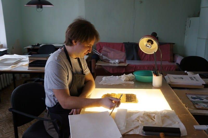 Реставратор Национального музея Карелии Ярослав Титов