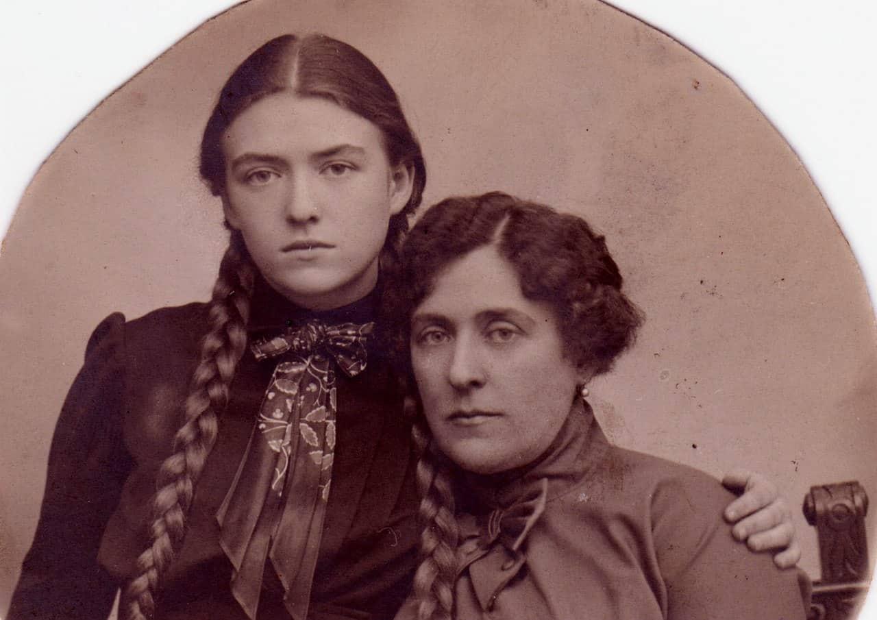 Варвара Васильевна Майер-Цур-Милен с дочерью Еленой, 1912