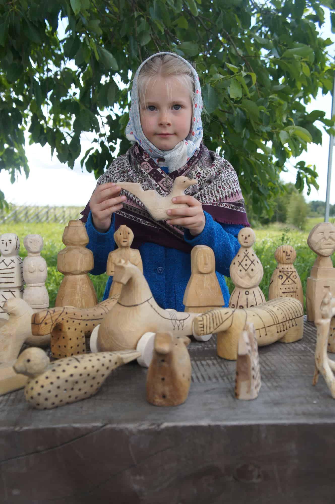 Плотницкие игрушки на острове Кижи